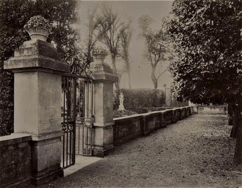 1783-1896 Château Raba Portail allant à la pièce d'eau, au pavillon des invités et au salon de verdure