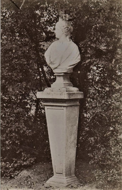 1783-1896 Château Raba  Statues grande allée d'arrivée