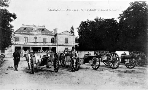 Parc d'Artillerie devant la Mairie  1914