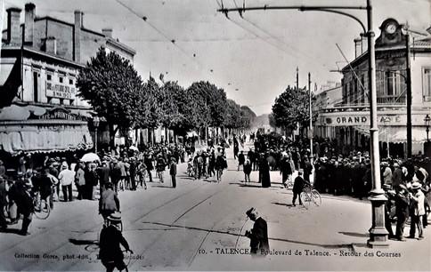 Café de l'Horloge Saint Genès