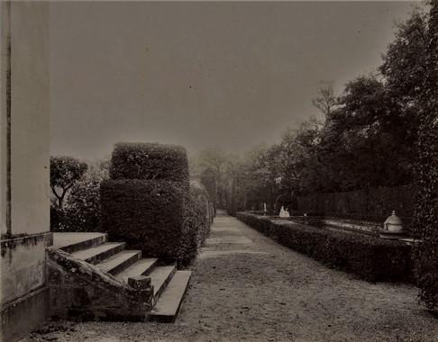 1783-1896 Château Raba  Pièce d'eau surveillée par Neptune