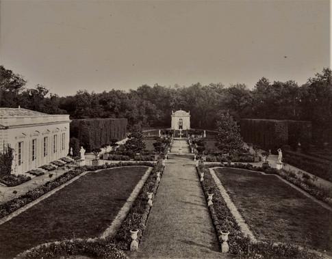 1783-1896 Château Raba Le parterre et le pavillon des muses