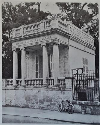 1960 Peixotto La petite Bibliothèque Municipale 1960
