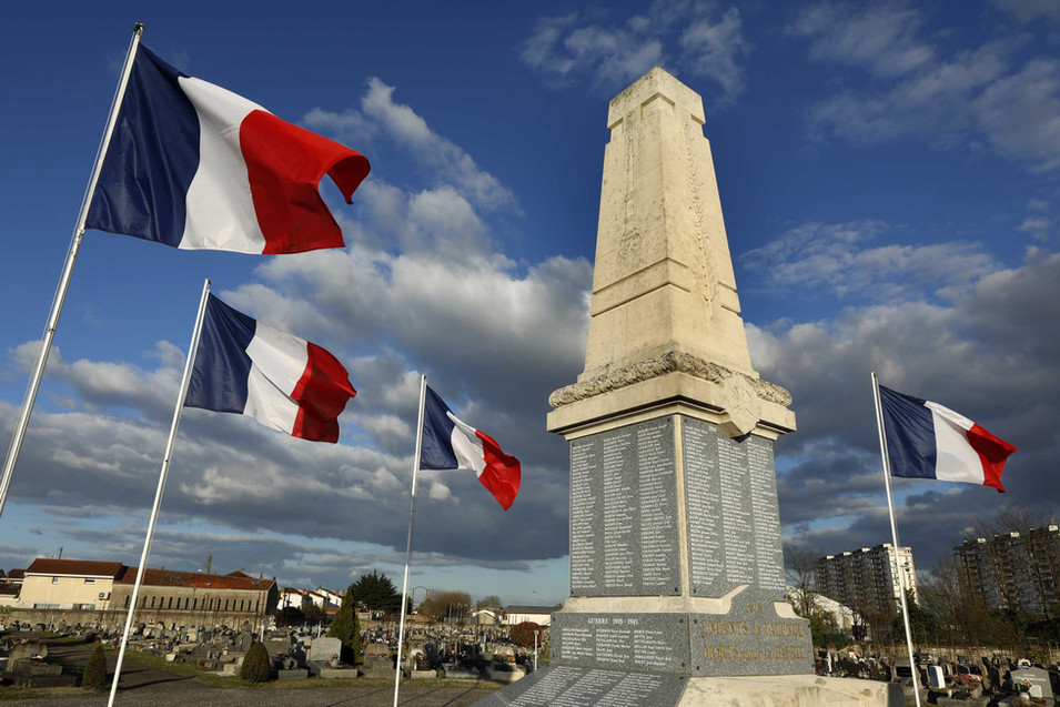 Monument Caveau: Mausolée en mémoire des Talençais morts pendant la grande guerre.
