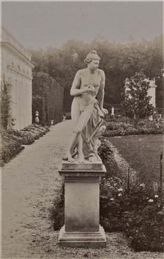 1783-1896 Château Raba Statue du parterre