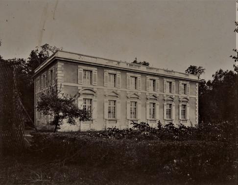 1783-1896  Château Raba Le pavillon des invités construit par Albert Ellisen époux de Louise Raba qui a hérité de la propriété.