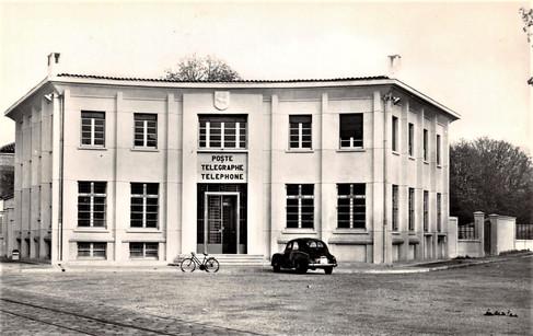 1955 Poste projet datant de 1936 le budget est arrêté en 1953.