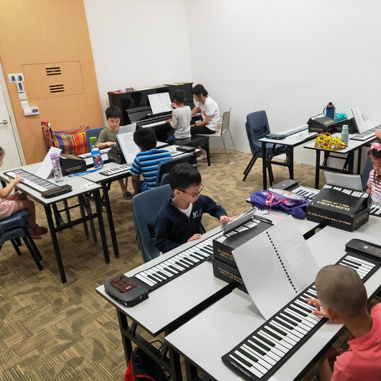 Keyboard course for children <Fun With K