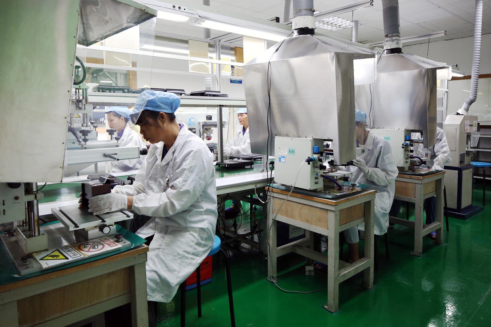 silk-screen-printing-process.JPG