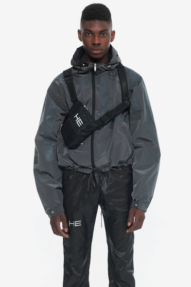 HELIOT EMIL Releases Tech-Driven SS19 Collection(HYPEBEAST)