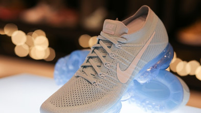 The Robot Startup Using Static Electricity to Make Nike Sneakers (BOF)