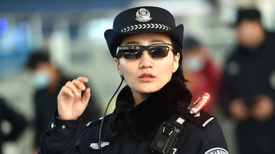 China Railway Police Use Facial Recognition Smart Glasses To Fight Crime(RT)