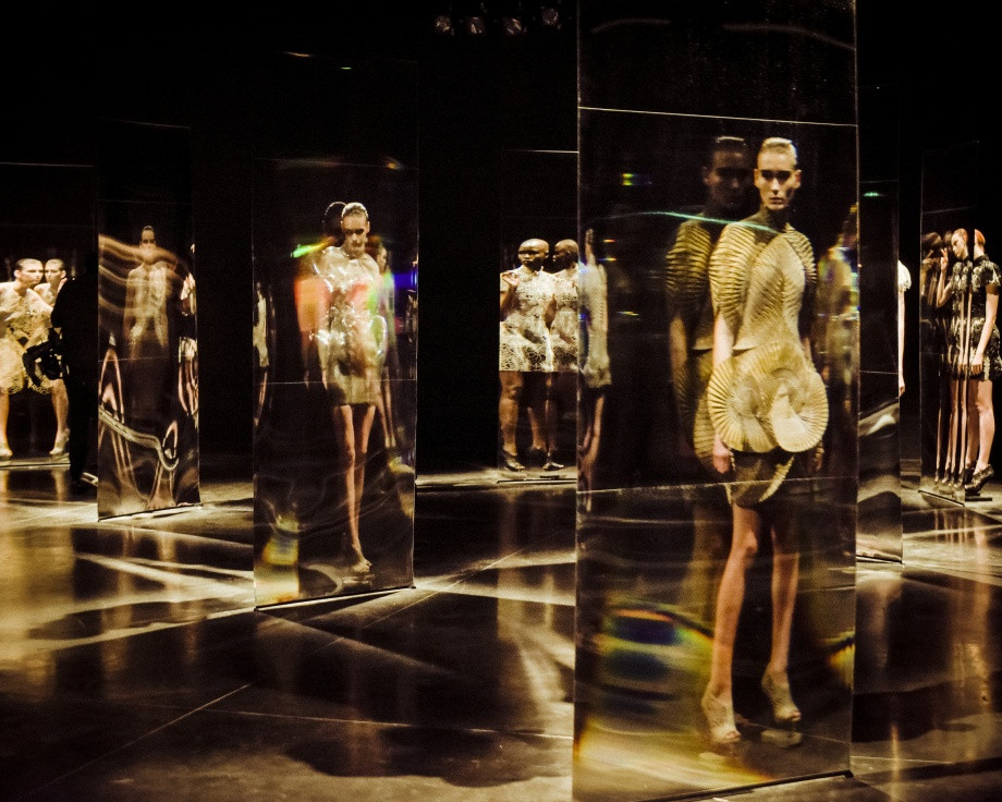 Iris van Herpen's Fall 2016 ready-to-wear fashion show was choreographed by Blanca Li. Photo provided by Iris van Herpen