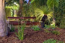 FormBoss ™ Steel Garden Edging Simple Installation