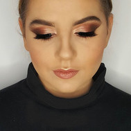 HUMP DAY GLAM _ I stretched out this eye