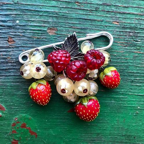 """Brooche """"Berries"""""""