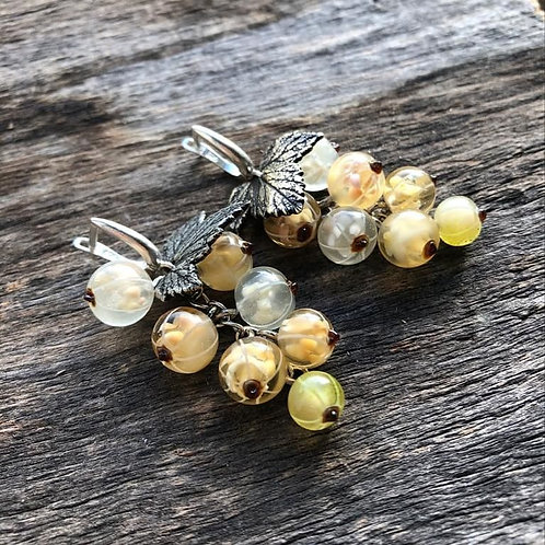 White Currant earrings