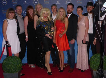 Dolly Parton Tribute Red Carpet CMA Awards Peugeot