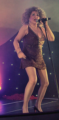 Tina Turner Sings Proud Mary Tribute
