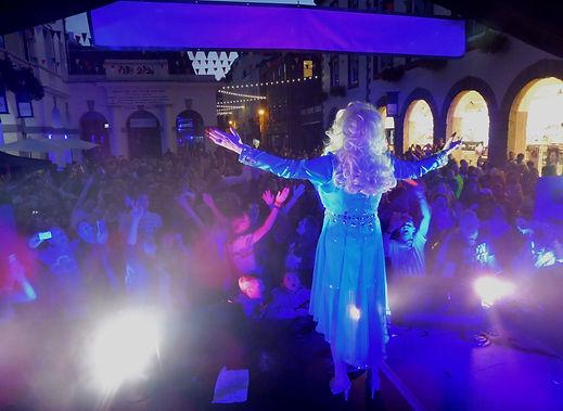Dolly Parton Tribute Best Lookalike Paula Randell Geurnsey Pride 2016