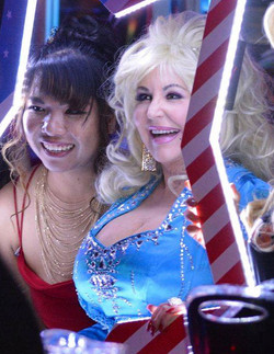 Dolly Parton Tribute In Star