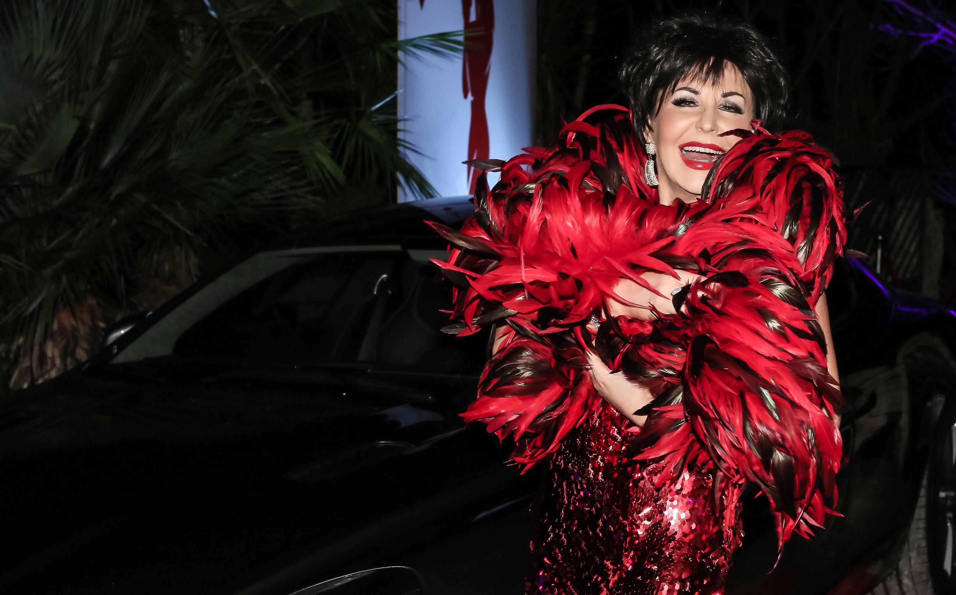 Shirley Bassey Tribute Lookalike