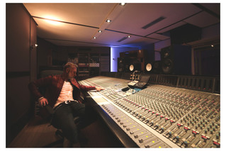 Gianluca Vacchi x Twin Studios Paris