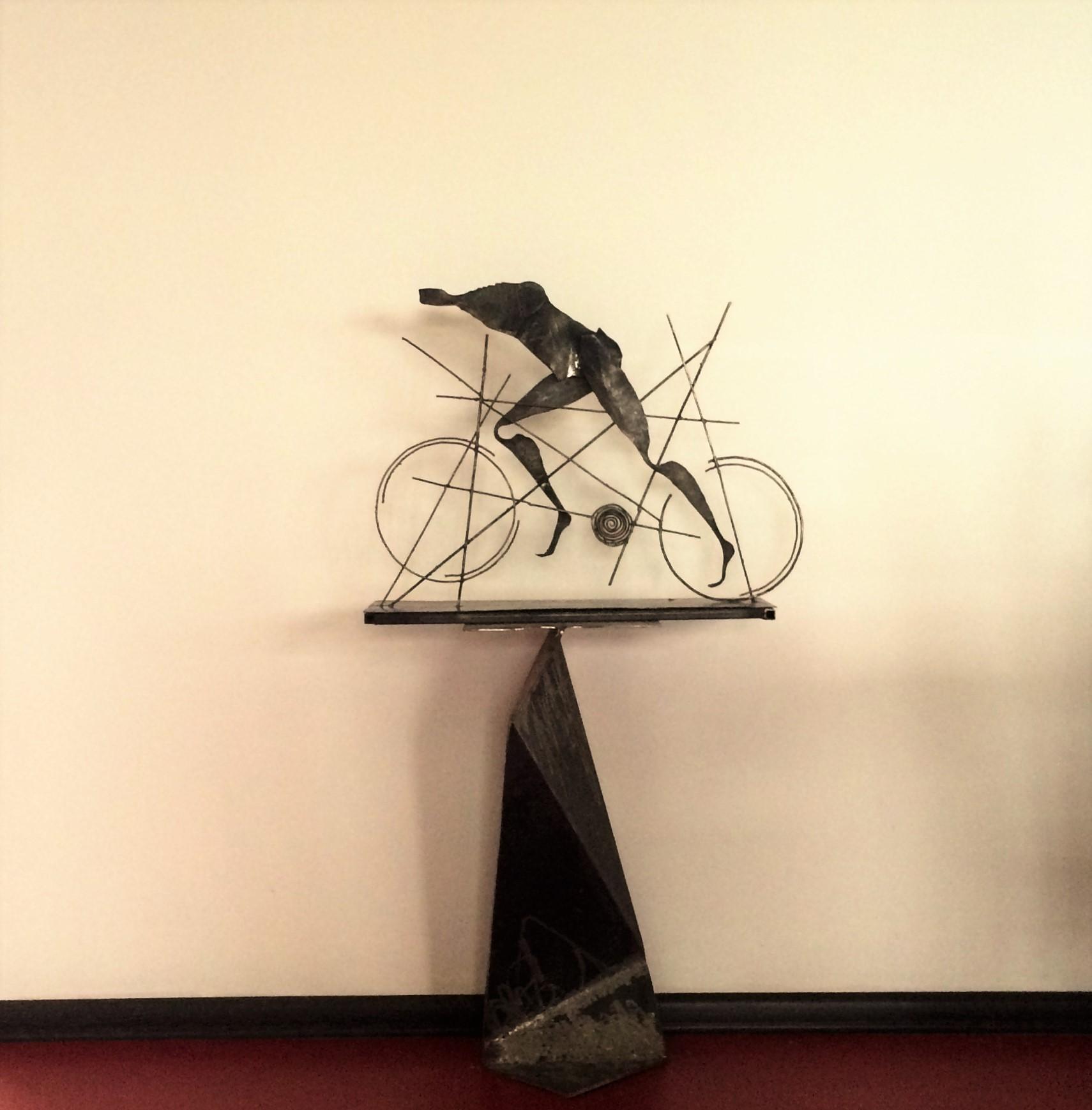"""Скульптура """"Велосипедист"""""""