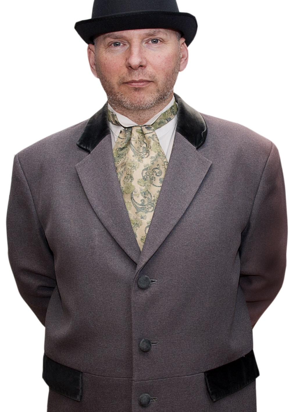 Glenn 1900 Dress x 5.JPG