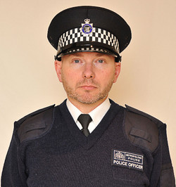 Police Met Jumper_edited