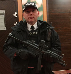 Police Officer - SO19_edited