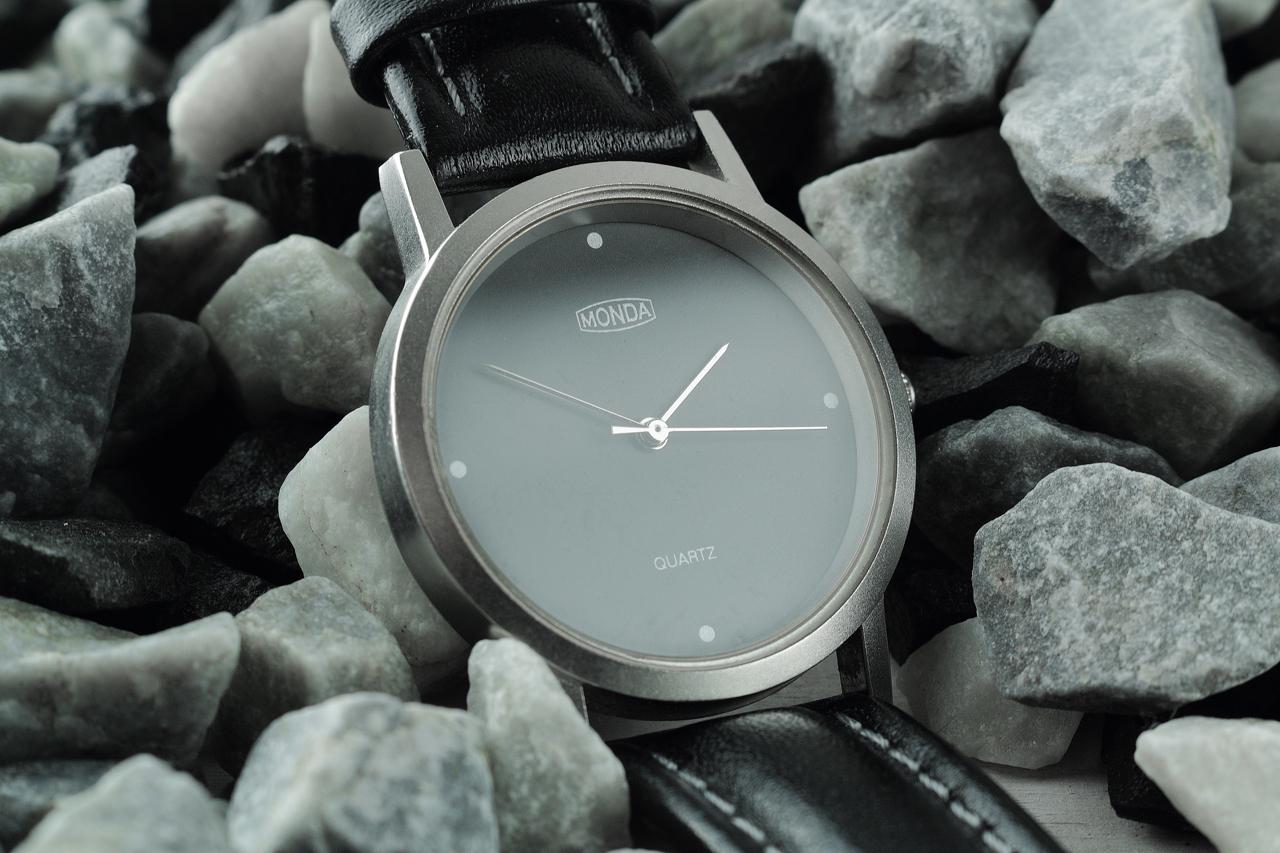 Monda quartz horloge