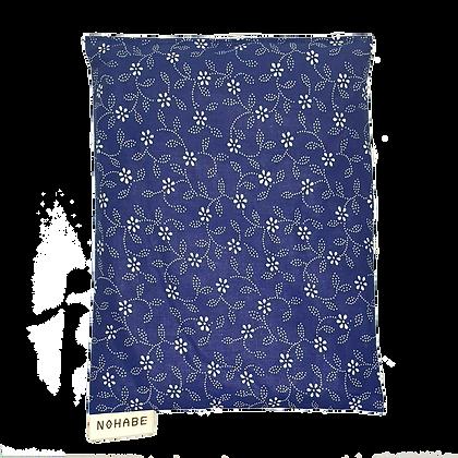 Kirschkernkissen - dunkelblau mit weissen Blüten