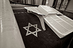 star-of-david-next-to-jewish-torah-scrip