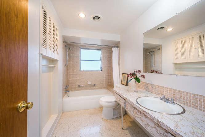 1969 Ruth Richmond Designed Bathroom