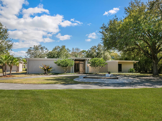 Mid-century modern by Miami Architect Arthur Breakstone in Sarasota County FL
