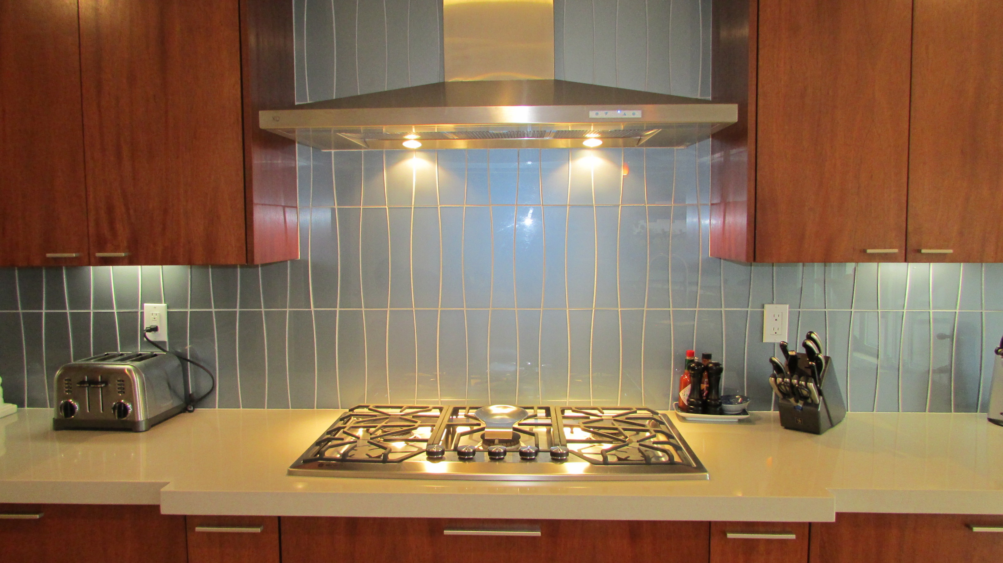 Ebb & Flow Silver Glass Backsplash