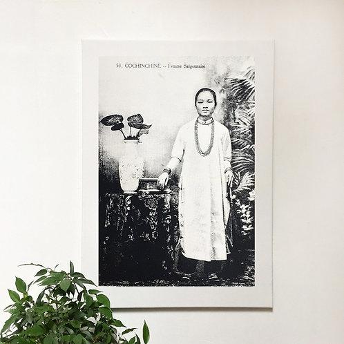 Tissu sérigraphié sur châssis bois - Femme Saigonnaise - Very Ngon - 75cm x 55cm