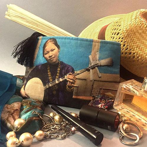 Pochette de voyage en couleurs - Dame Annamite - Very Ngon - 20 cm x 13 cm
