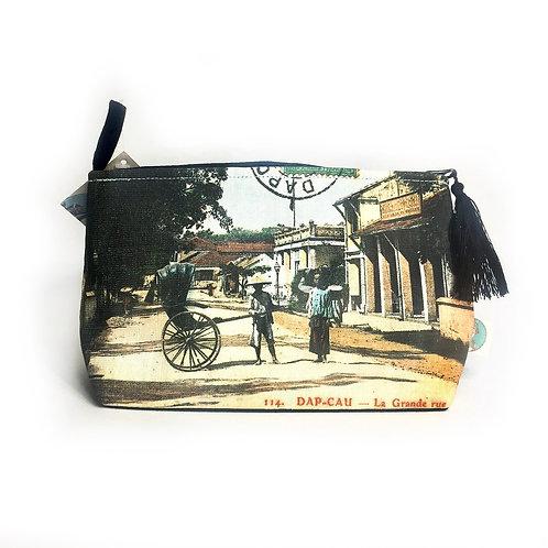 Pochette de voyage en couleurs – Dap Cau La grande rue - Very Ngon 20 cm x 13 cm