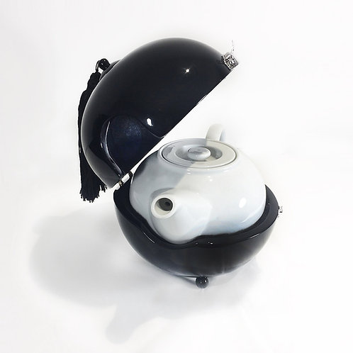 Tea pot warmer - Michele de Albert - Laque noire