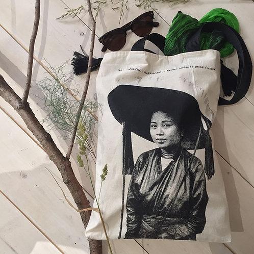 Shoulder bag - Femme au chapeau - Écru - Very Ngon - 39 cm x 29 cm