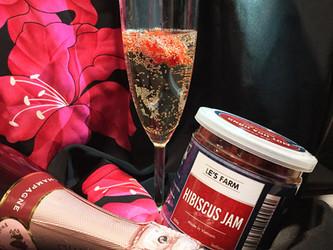 Champagne aux fleurs d'hibiscus