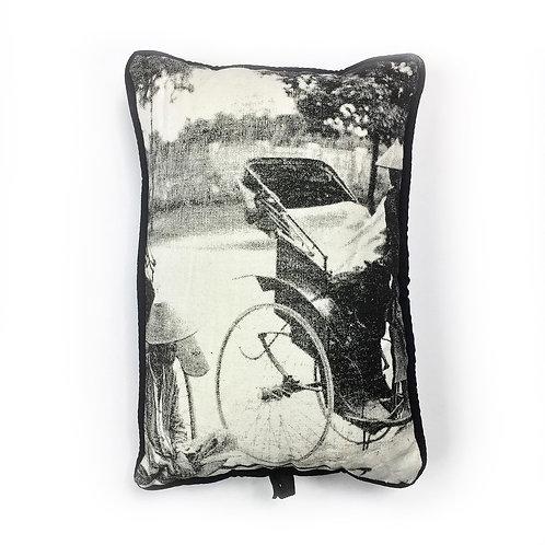 Coussin de voyage - Cyclo pousse - Very Ngon - 30 cm x 20 cm