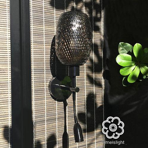 Applique murale noir en bambou & liseuse - H 49 - Design Jacques-Michel Bacqué.
