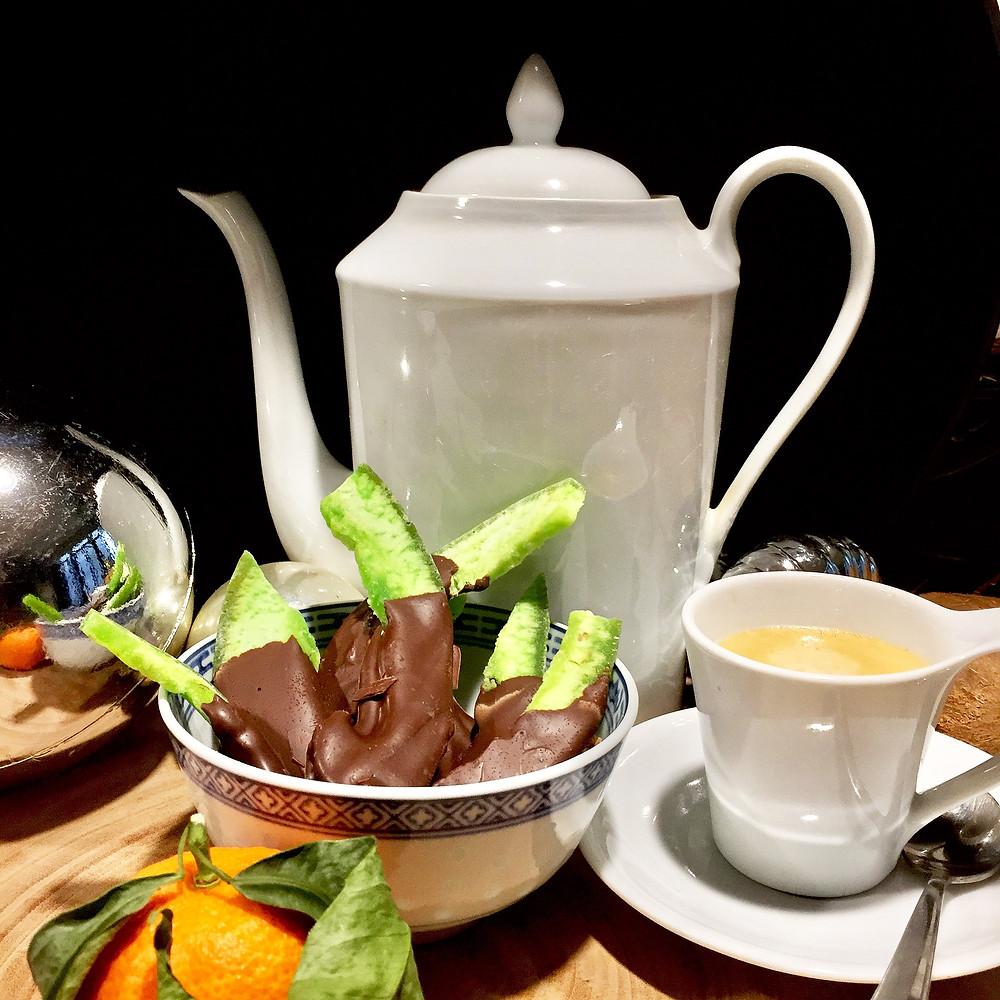 Recette vietnamienne - Languettes de pamplemousse confites au chocolat vietnamien
