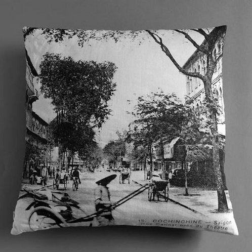 Very Ngon. Housse coussin 45 cm rue Catinat.