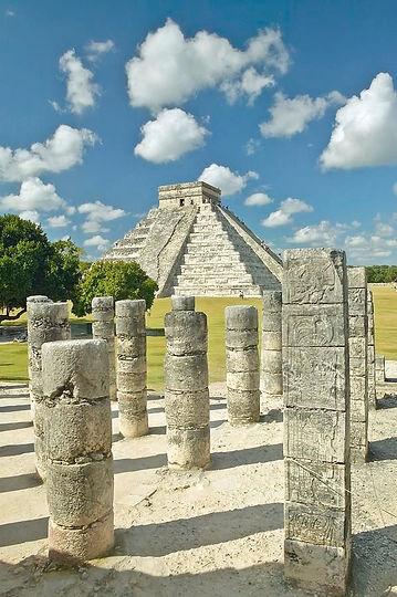 las-mil-columnas-y-la-piramide-de-kukulk