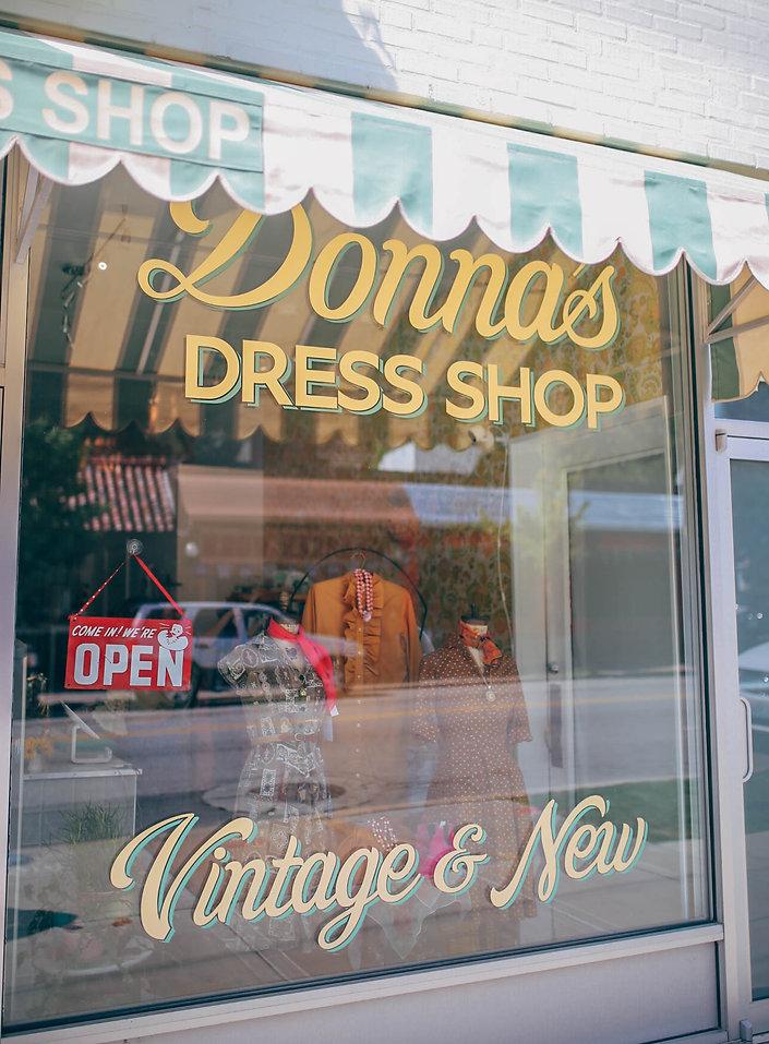 360b55111cb kansas city must-stop shops (  online stores) – t   tour