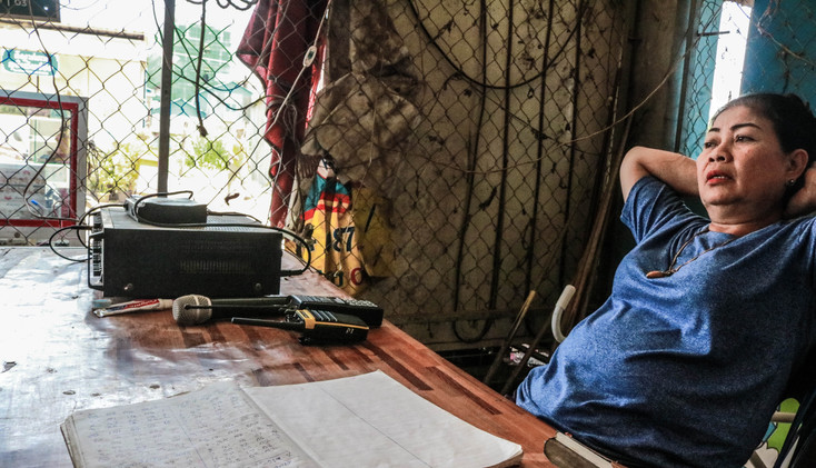 The village chief of Poipet recorded the number of undocumented migrants arriving at the Migration Assistence Centre by trucks.